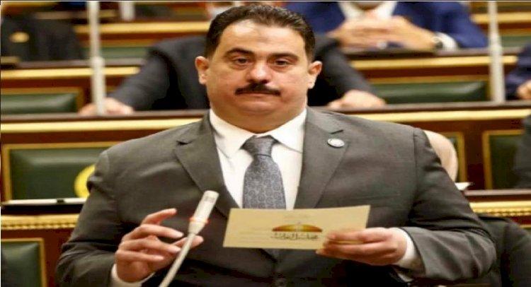 طاهر الازهري يهنئ عمال مصر بعيدهم ويؤكد:بالعمل تنهض الأمم